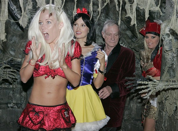 playboy mansion på halloween